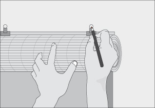 H galo usted mismo c mo instalar una cortina enrollable - Como colocar la cuerda de una persiana ...