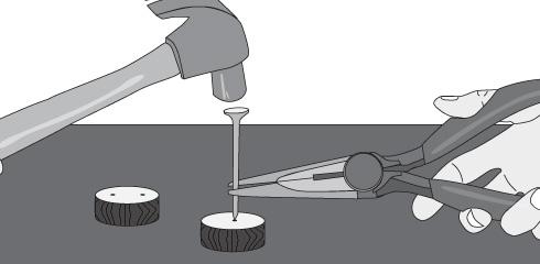 Cómo hacer un muñeco con tapas de bebida