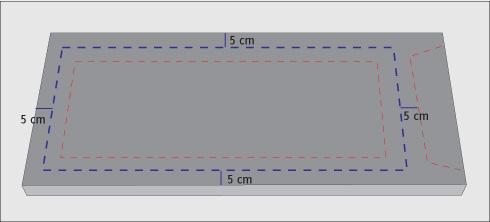 el marco que se dej de cm en partes iguales de cm uno ser el marco del mueble y el otro la puerta de la vitrina