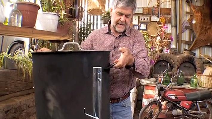 Este proyecto se trata de adaptar una parrilla de tambor para poder hacer preparaciones de la comida mapuche que nos enseñó el chef Jose Luis Calfucura