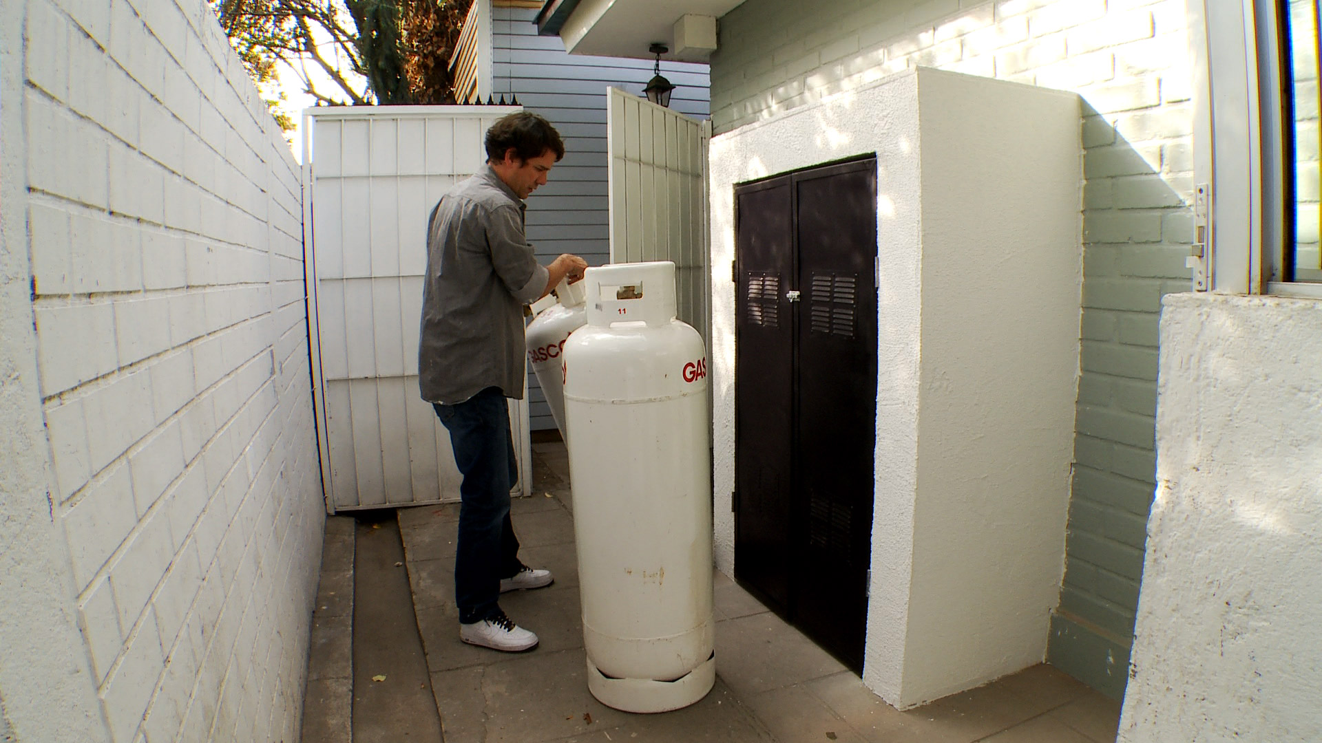 H galo usted mismo c mo construir una caseta para el gas - Como hacer una caseta de obra ...