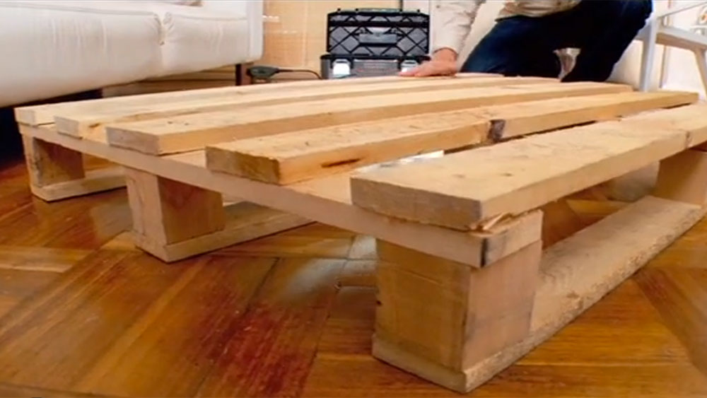 H galo usted mismo c mo construir una mesa de centro - Mesa de trabajo bricolaje ...