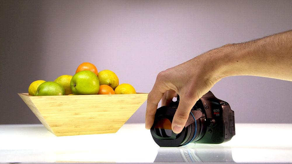 A las cámaras fotográficas réflex o digital se les puede poner diferentes tipos de filtros, hay algunos que sólo protegen de los rayos UV, otros son polarizados y otros de colores. Estos de colores son los que enseñaremos a hacer en este proyecto, ya que ayudarán a absorber ciertos colores en la imagen para resaltar otros.