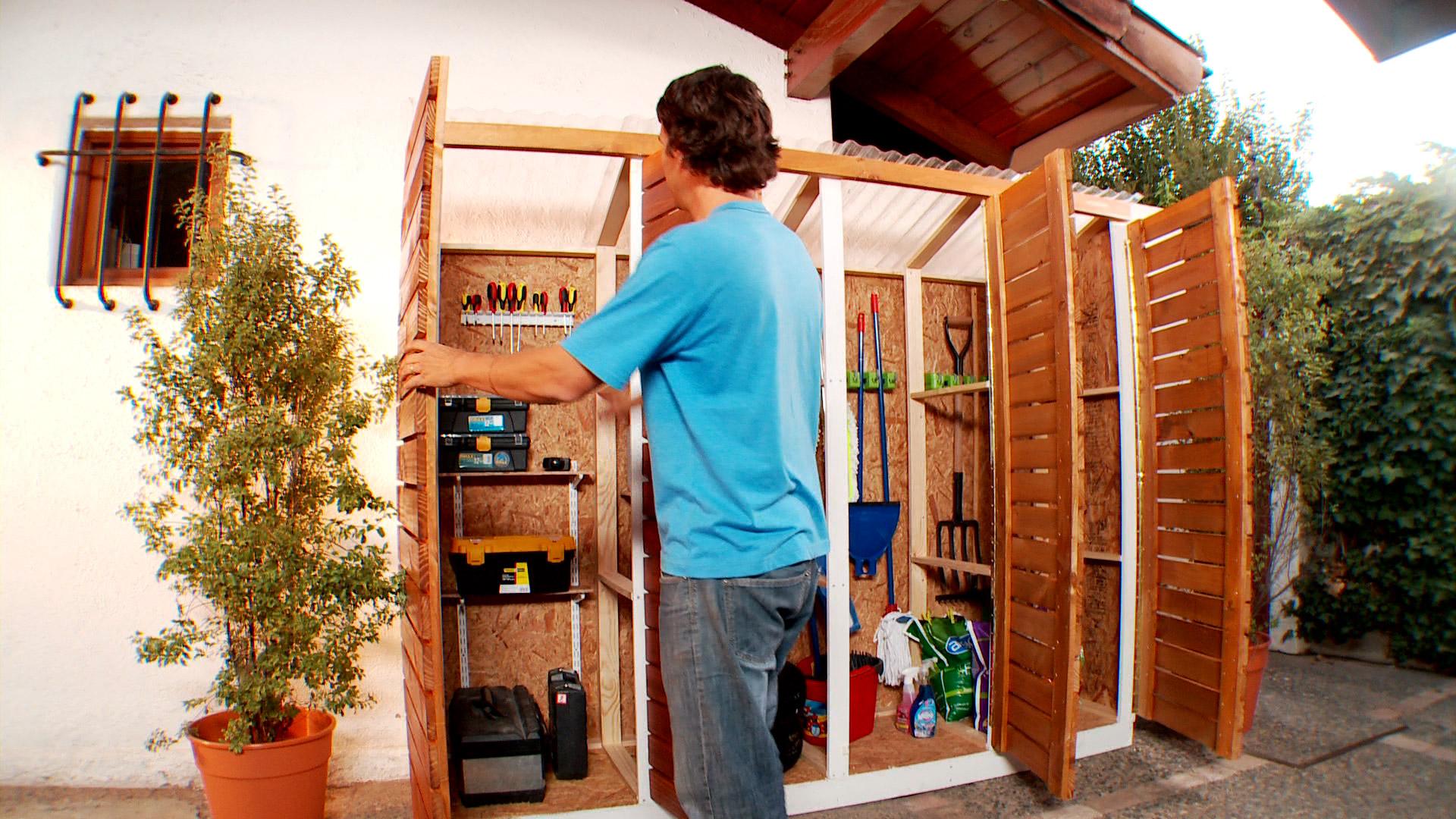 H galo usted mismo c mo hacer una bodega de exterior for Casa para herramientas
