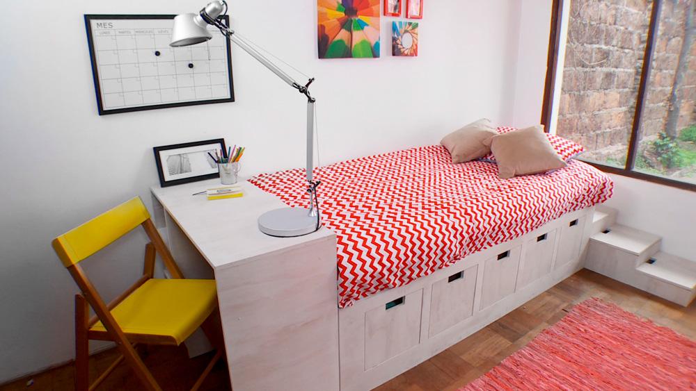 En este proyecto construiremos una cama con cajones y escritorio, donde es prioritario tener espacio de almacenaje. Además como es modular se adapta a cualquier tamaño de dormitorio y a la vez muy cómoda para trasladar en una mudanza y el poco espacio de algunas escaleras.
