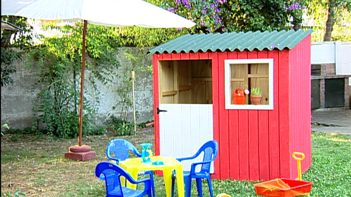 H galo usted mismo c mo hacer una casa de mu ecas for Casa juguete jardin