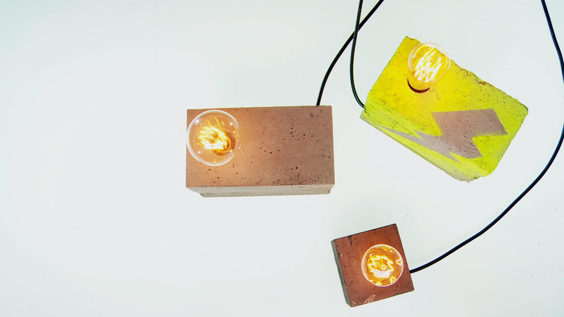 Podemos usar muchos materiales para hacer una lámpara; pero si queremos una de diseño industrial, el concreto es el indicado.