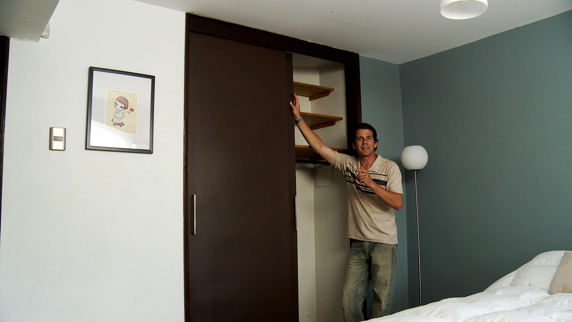H galo usted mismo c mo hacer una puerta con riel para - Como hacer puertas correderas ...