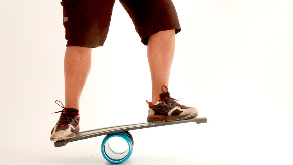 En este proyecto queremos entregar una herramientas para la práctica y desarrollo del deporte. Es un balanceboard, una plataforma sobre la cual se pueden practicar gran variedad de movimientos para tonificar los músculos de las piernas y aumentar la capacidad de equilibrio del cuerpo.