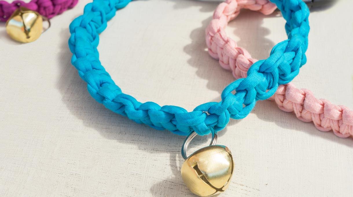 Demuéstrale todo tu amor a tu perro o a tu gato y hazle un lindo collar personalizado y a su medida.