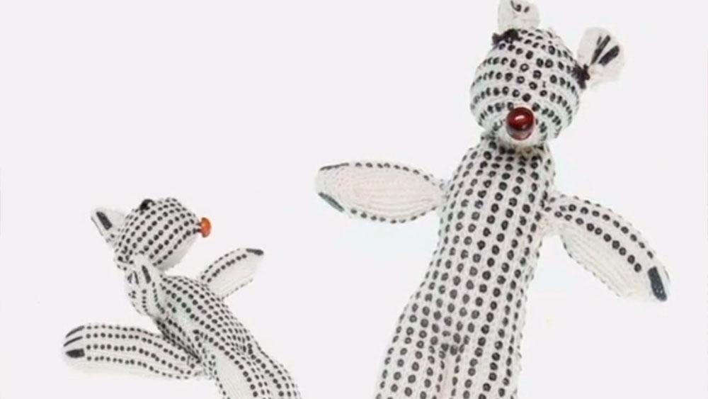 Los muñecos de peluche son uno de los juguetes preferidos por los niños de todas las edades, sirven como compañía, decoración y por supuesto para jugar, por eso vale la pena saber cómo hacer uno con nuestras propias manos, en este caso será un peluche de ardilla.