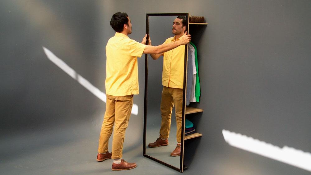 En este proyecto construiremos un ropero para fijar en el muro, que además de una barra para colgar tenga repisas y un espejo. Es un práctico perchero para organizar la ropa en un dormitorio o también para la entrada de la casa.