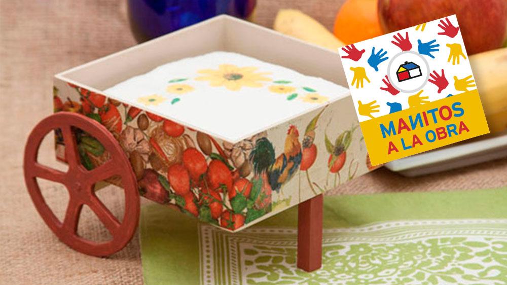 Cada 18 de septiembre los chilenos celebramos nuestras Fiestas Patrias, adornando nuestras casas, cantando cuecas y comiendo ricas empanadas. Este lindo servilletero es ideal para decorar la mesa, en torno a la cual se reunirá la familia para compartir y brindar por Chile y su gente.