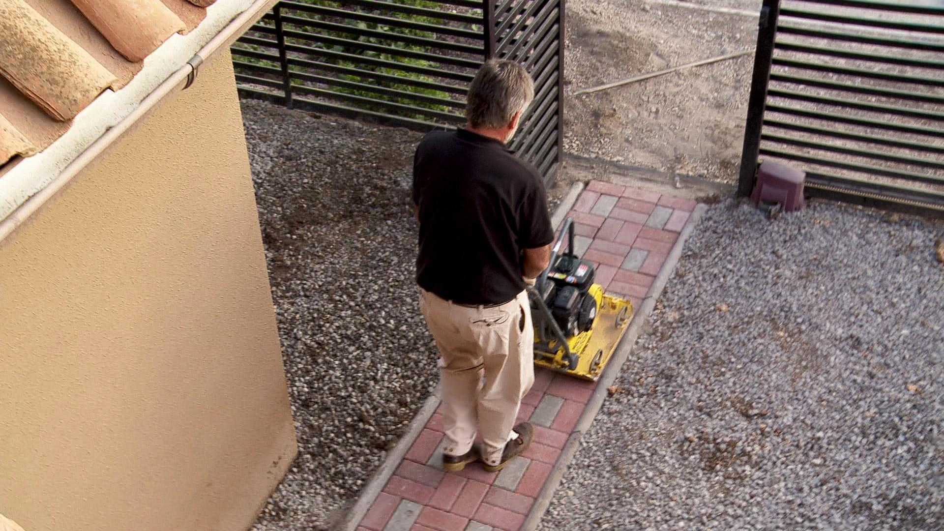 h galo usted mismo c mo hacer un sendero de adoquines On como colocar adoquines en el jardin