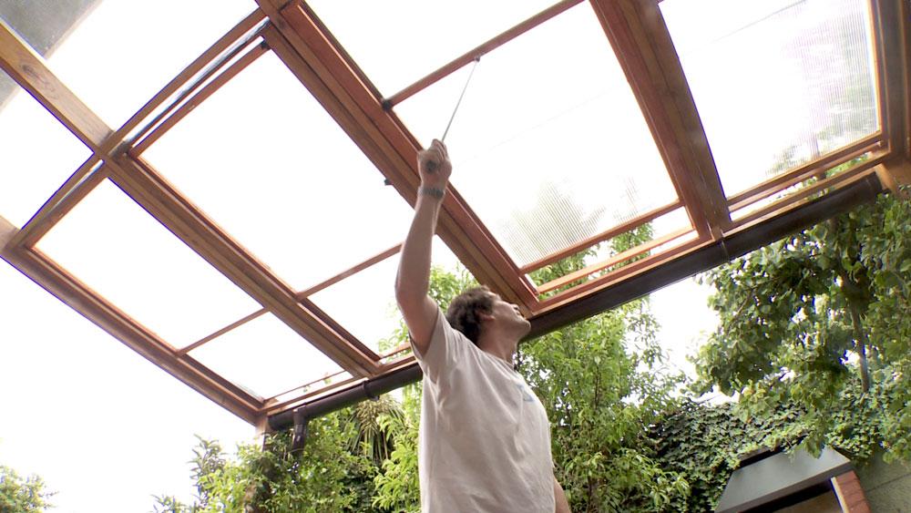 H galo usted mismo c mo hacer un techo corredizo de for Que piscina puedo poner en una terraza