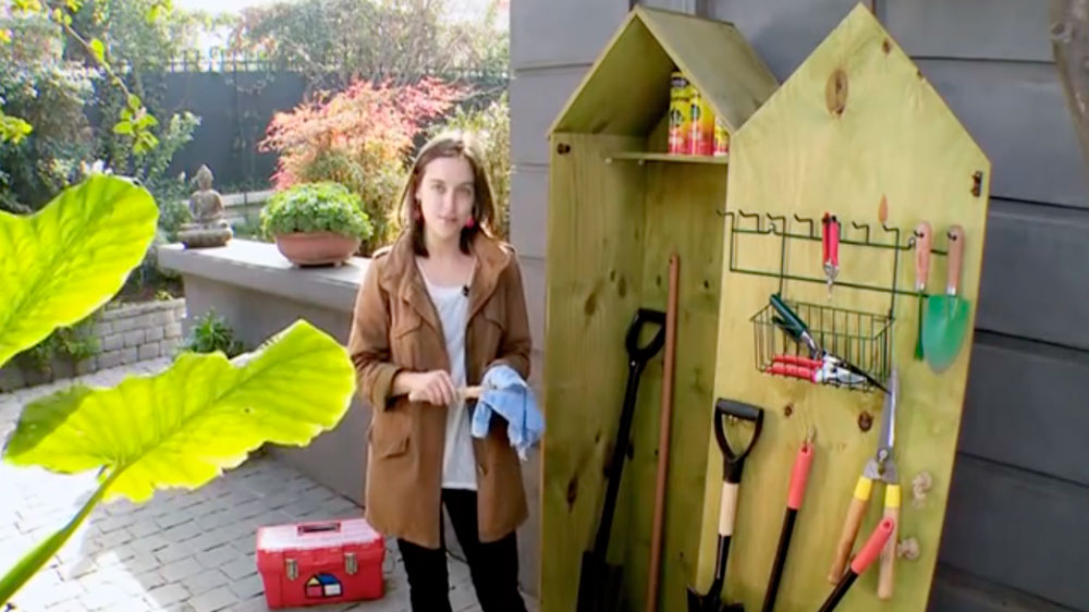 A la falta de un garaje u otro tipo de espacio, una minibodega es una buena opción para guardar la herramientas, pero qué herramientas son las que necesitamos para trabajar en el jardín con comodidad, aquí podrás saberlo.