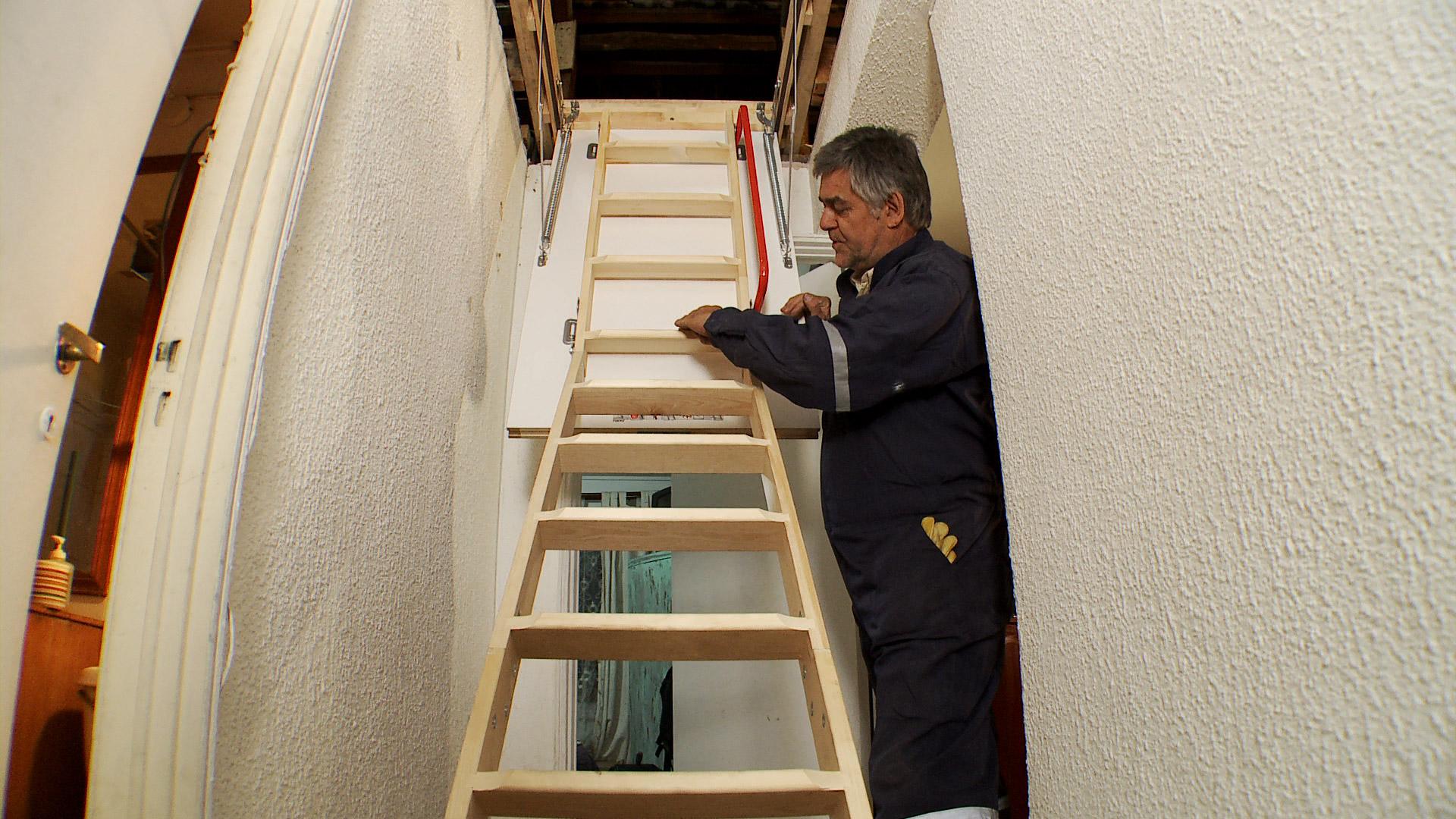 Escaleras plegables para buhardilla fabulous libreria en - Escalera para buhardilla ...
