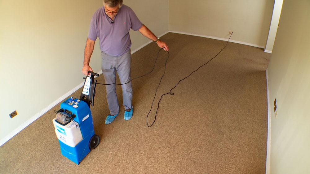 H galo usted mismo c mo limpiar y reparar una alfombra - Como lavar una alfombra en casa ...