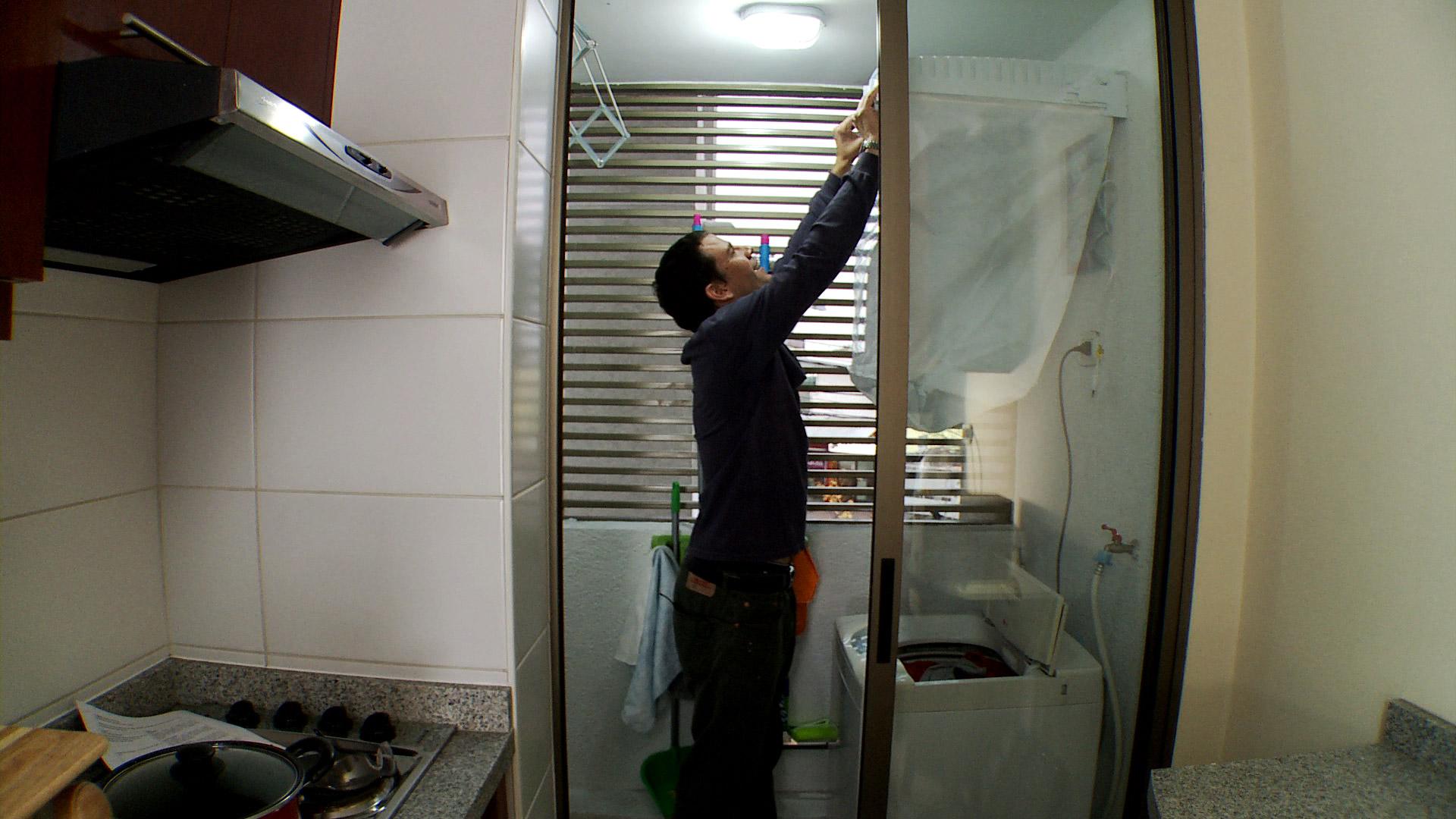 En invierno las loggias son súper importantes, aquí lavamos, secamos la ropa y guardamos los detergentes. Como es común que los espacios sean chicos, nos tenemos que preocupar de aprovechar el espacio al máximo para poder hacer todas las actividades cómodamente.