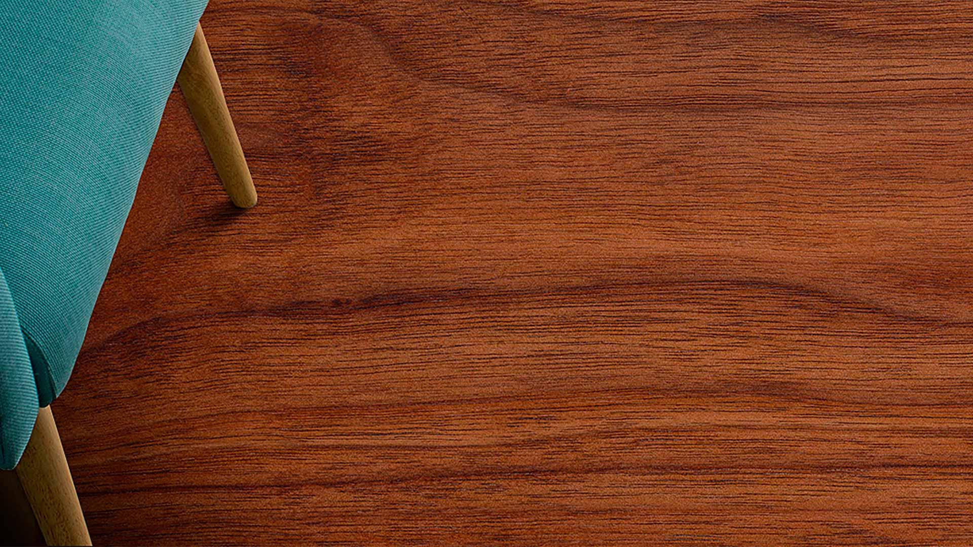 Si su piso de linóleo ha sido quemado por cigarrillo, tiene alguna ranura hecha por la pata de una mesa o quedó con una fea mancha, no tiene que asumir que deberá cambiarlo por completo. Aprenda cómo arreglarlo usted mismo siguiendo los siguientes pasos.