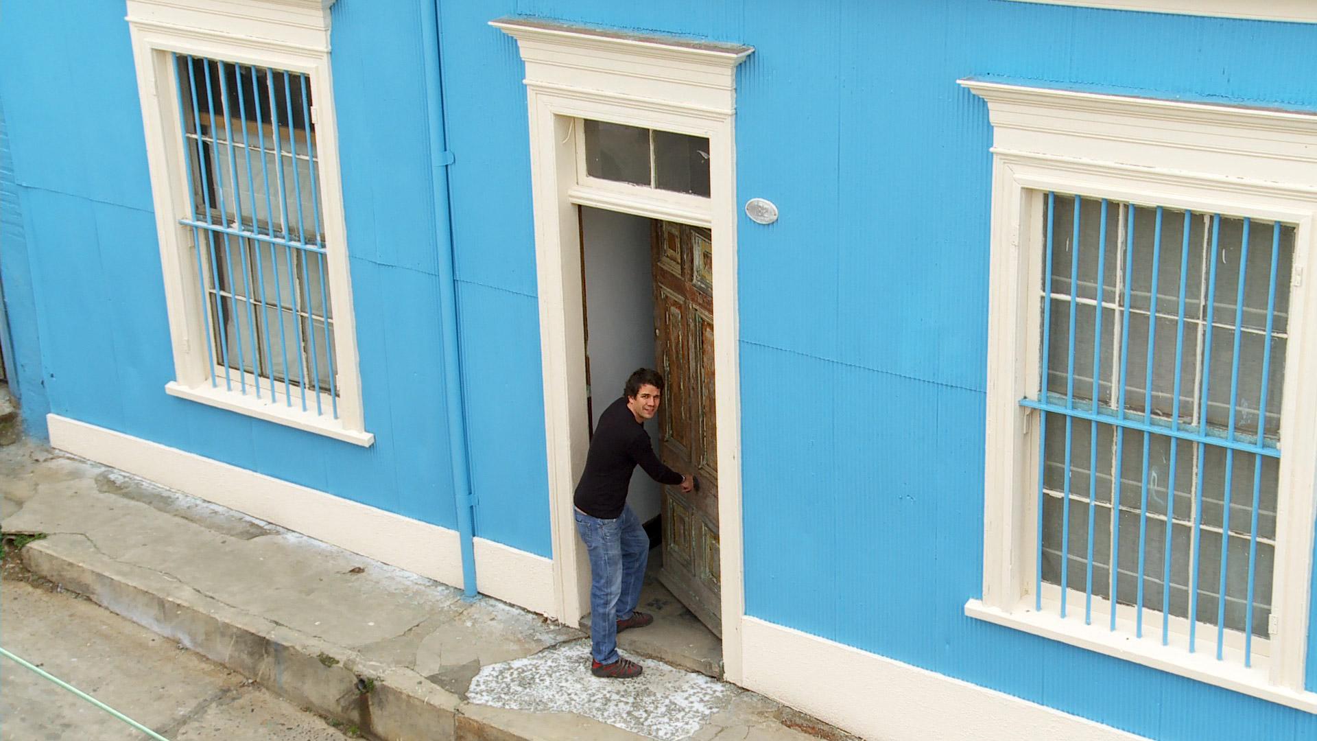 H galo usted mismo c mo pintar una fachada de zinc for De que color pinto las puertas de mi casa