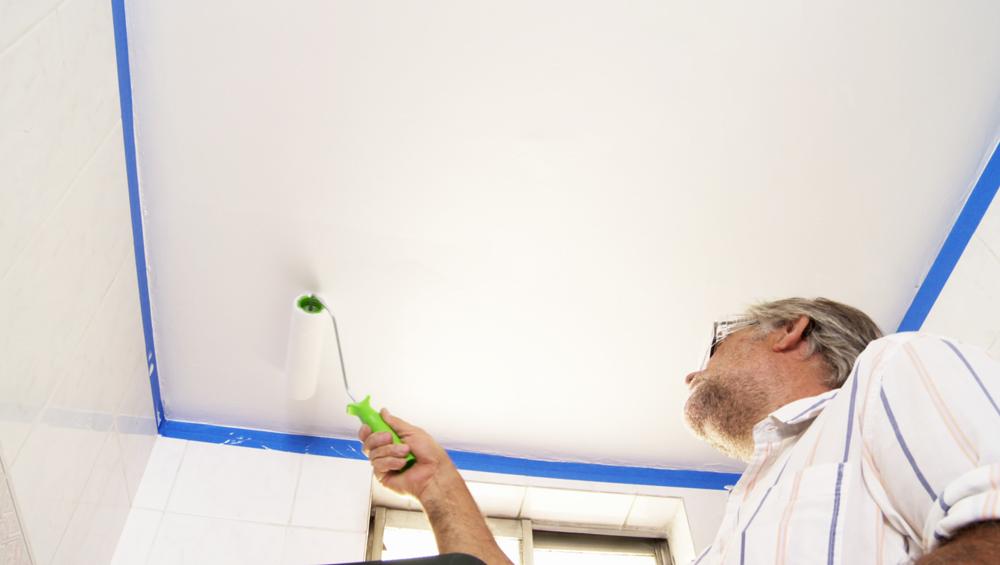 Vivas en casa o departamento es muy común que aparezcan manchas de hongos en el cielo del baño, las causas pueden ser variadas, y su reparación es muy sencilla. Pero es muy importante resolver el origen del problema para que esta reparación sea efectiva.