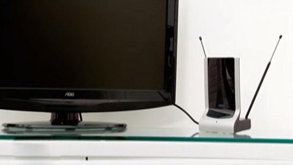 Ante los problemas de señal y dificultades en la recepción de las imágenes en nuestro televisor, hay una serie de antenas que podemos instalar tanto dentro de la casa como fuera para asegurar una imagen nítida