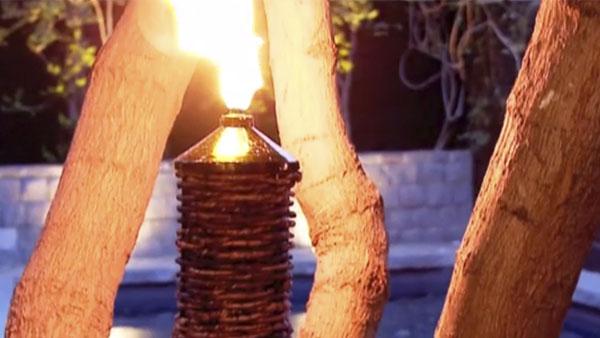 Revisamos las mejores opciones de la tienda para disfrutar una noche de verano en el exterior. Braseros y calefactores de arriendo para el frío del sur. Sillas plegables y colchones autoinflables para llevar a cualquier lugar. También implementos para espantar mosquitos y atractivas antorchas solares o en base a aceite, en diseños de metal y revestidas con ratán.