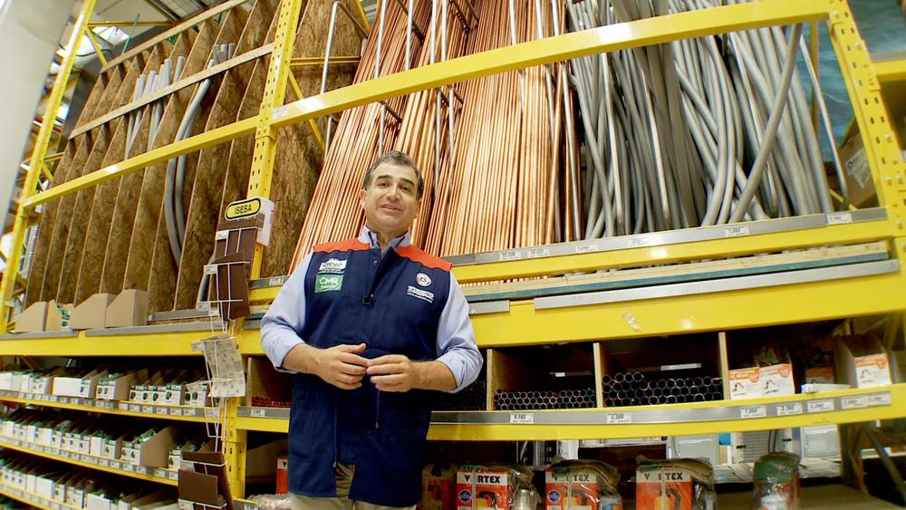 Como chilenos sabemos que el cobre tiene múltiples usos, pero uno de los más importantes es la fabricación de tuberías y cañerías para conducir agua o gas dentro de nuestras casas.