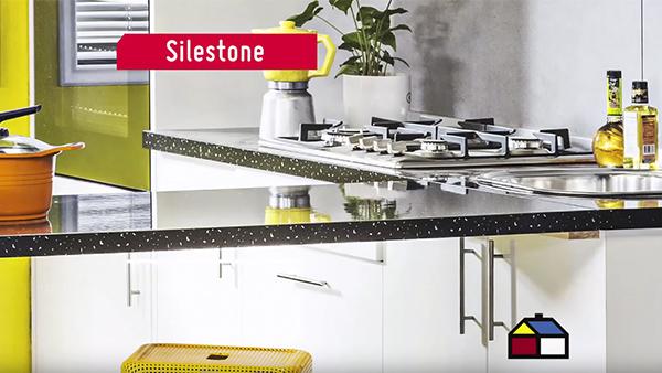 Una forma de renovar la cocina es cambiar solo la cubierta de los muebles. Hay distintos tipos y materiales que sin duda mejoraran la resistencia y la higiene de las superficies.
