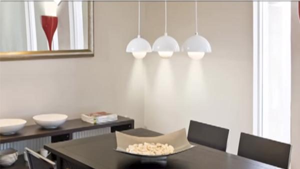 Para iluminar el comedor buscaremos la mezcla perfecta entre la luz del sol y las lámparas. Aquí podrá ver una selección de lámparas especiales para iluminar ese rincón acogedor de la casa.