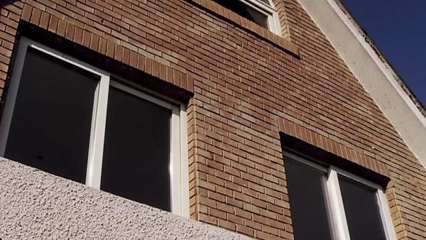 Hay ventanas de aluminio, PVC y madera; proporcionan luz natural; permiten la ventilación y además decoran siempre y cuando se encuentren en buenas condiciones.