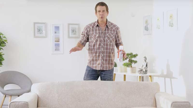¡Deja tu sillón como nuevo! Si tiene manchas que no has podido sacarle, o quieres darle una buena mano de limpieza a otro mueble y recuperarlo de manera fácil y rápida, mira en este video cómo hacerlo de manera simple y efectiva.