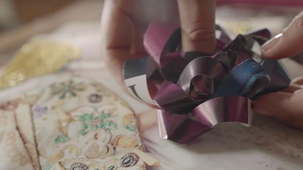 Para que tus regalos adquieran una relevancia especial, haz tu mismo el envoltorio usando elementos de desecho. Son varias ideas para ayudarte esta navidad. Anímate a reutilizar las cajas de huevos. Aquí te mostramos cómo aprovecharlas para hacer con ellas tus propios almácigos.