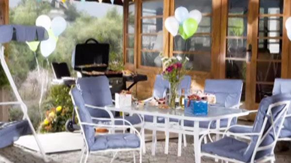 Al comenzar el buen tiempo hay que desempolvar los muebles de terraza, para poder habilitar las zonas del aire libre de la casa.