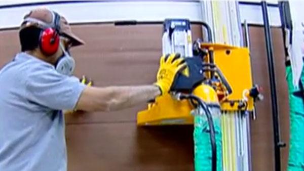 Cuando hacemos trabajos en madera es muy útil tener un despiece del proyecto que queremos hacer, con él podemos ir a nuestra tienda Sodimac más cercana y pedir los cortes en el Servicio de Dimensionado, así nos aseguramos cortes rectos y una buena utilización de una plancha de madera.