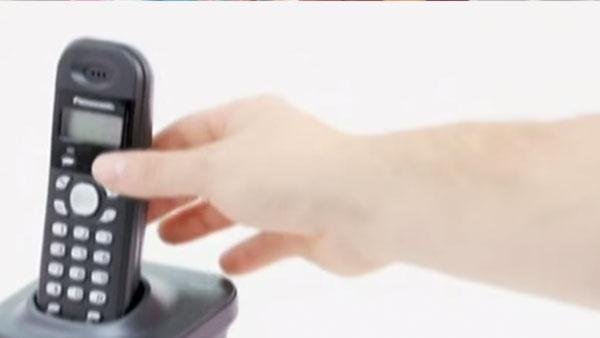 Hay una gran variedad de teléfonos, dependiendo de si queremos con cable o inalámbrico, el tamaño de la casa y cuántas personas lo usarán.