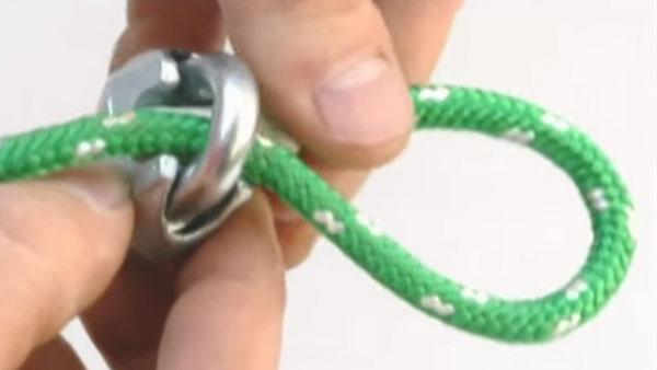 Para elegir una cuerda debemos fijarnos de qué material está fabricada, ya que no todas tienen la misma resistencia y peso.